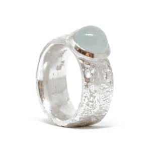 Wabi Sabi Fråst ring with milkey green aquamarine
