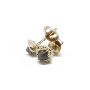 Wabi Sabi Rå earsticks of gold with raw diamonds