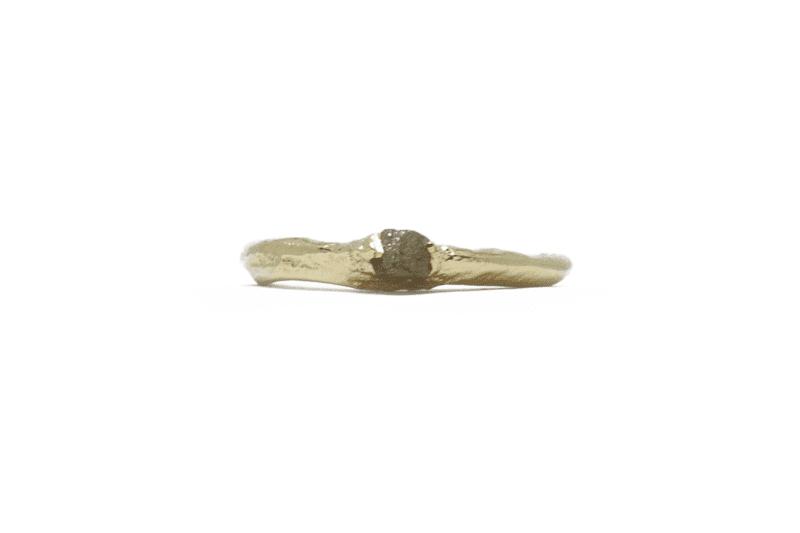 Wabi Sabi Rå ring of gold with raw diamond