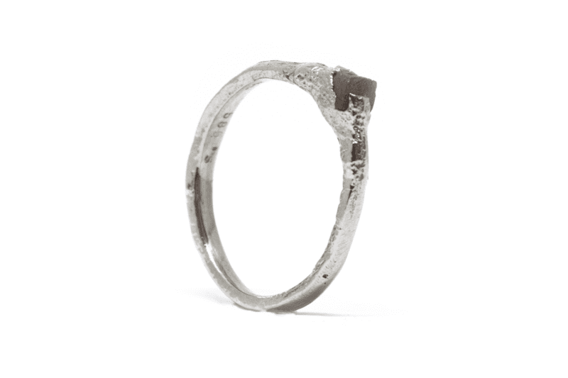 Wabi Sabi Rå ring of white gold with raw diamond