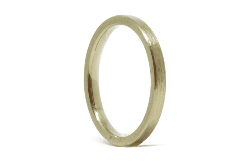 Wabi Sabi wedding ring in gold