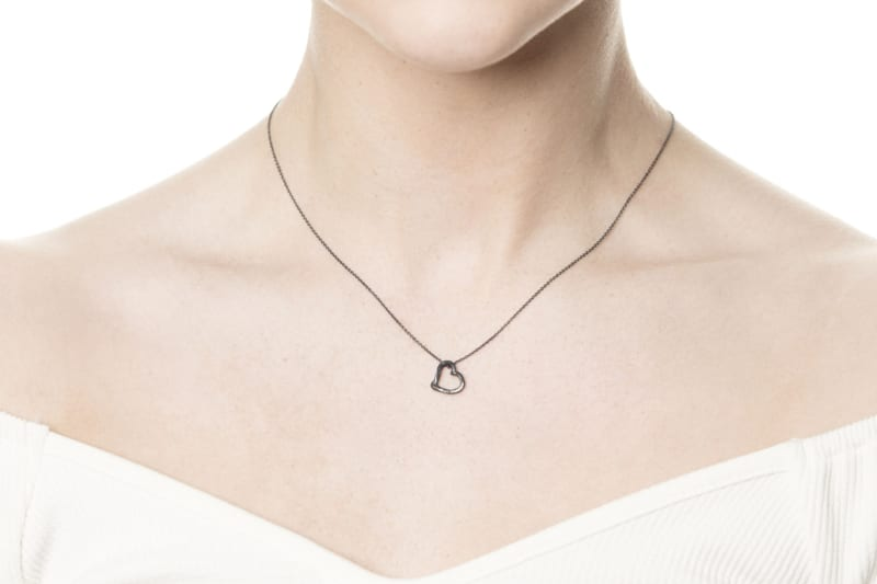 Wabi Sabi smykker - Låv anheng i sølv